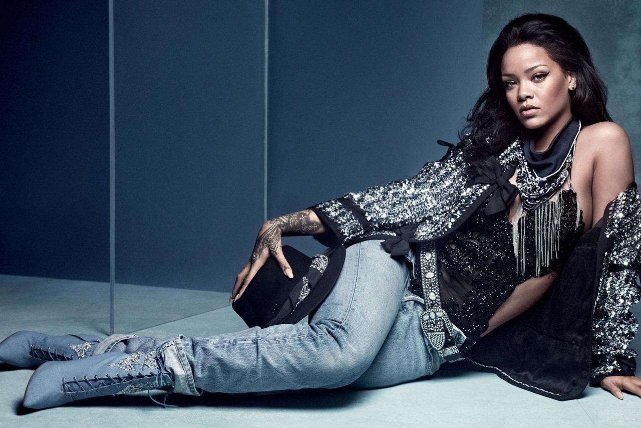 Rihanna en Vogue UK Imagen vía Vogue UK