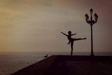 dancer-1489686_960_720