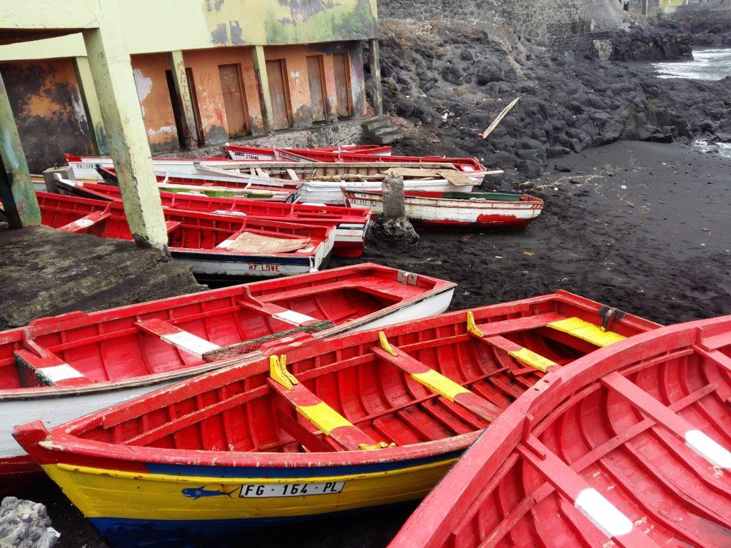 Barcas en Mosterios, isla de Fogo