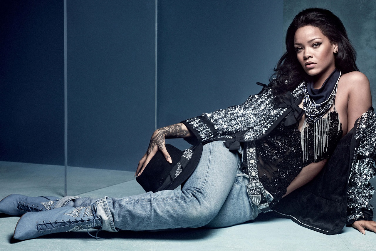 Rihanna en Vogue UK Imagen vía Vogue UK